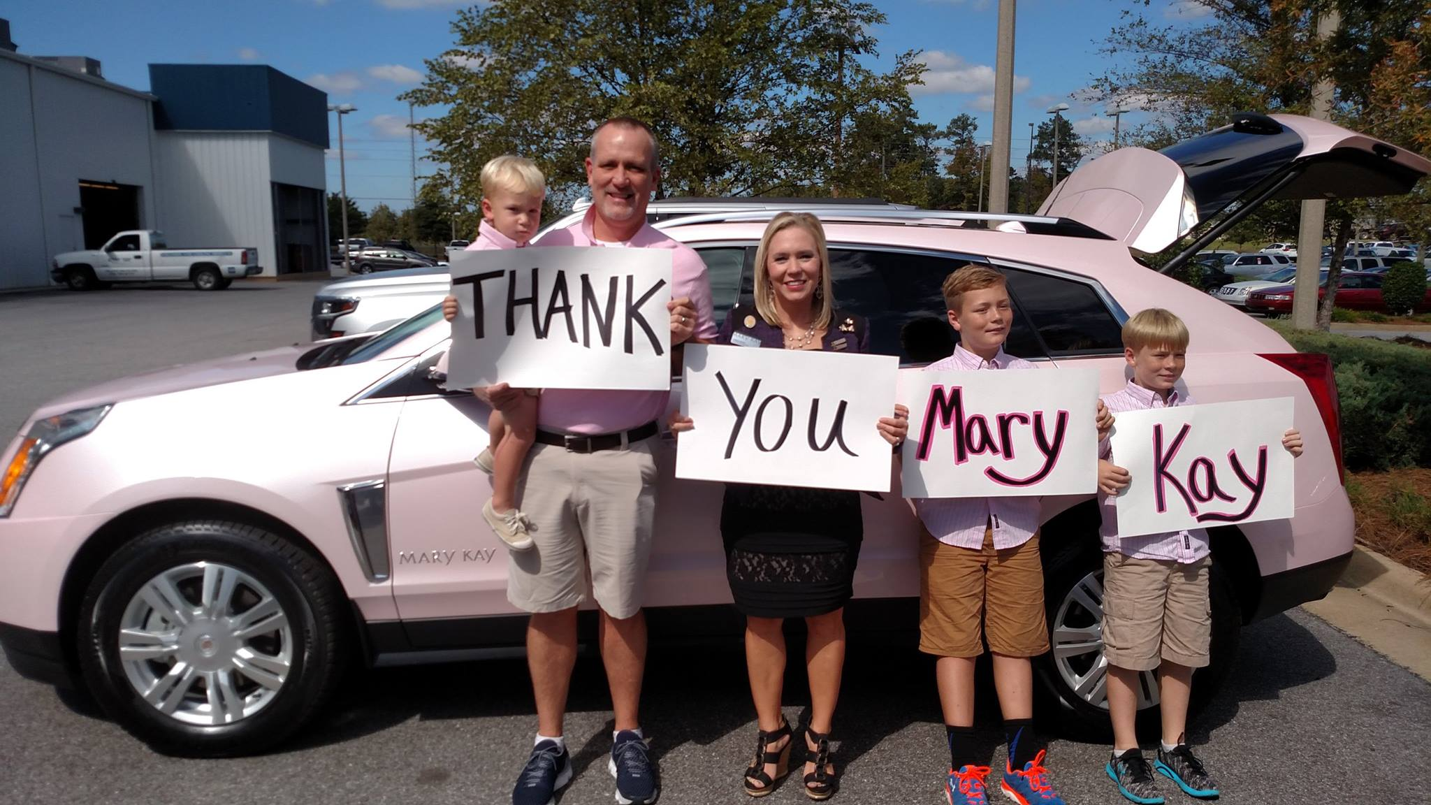 Lindsay Stewart Earns Mary Kay S Pink Cadillac 187 Direct