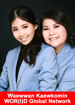 Waewwan Kaewkomin and her mother